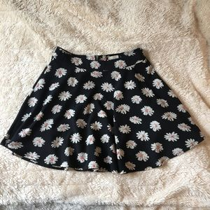Fifty Street floral mini skirt Size Small